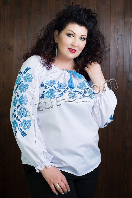 Женская блуза-вышиванка роза синяя