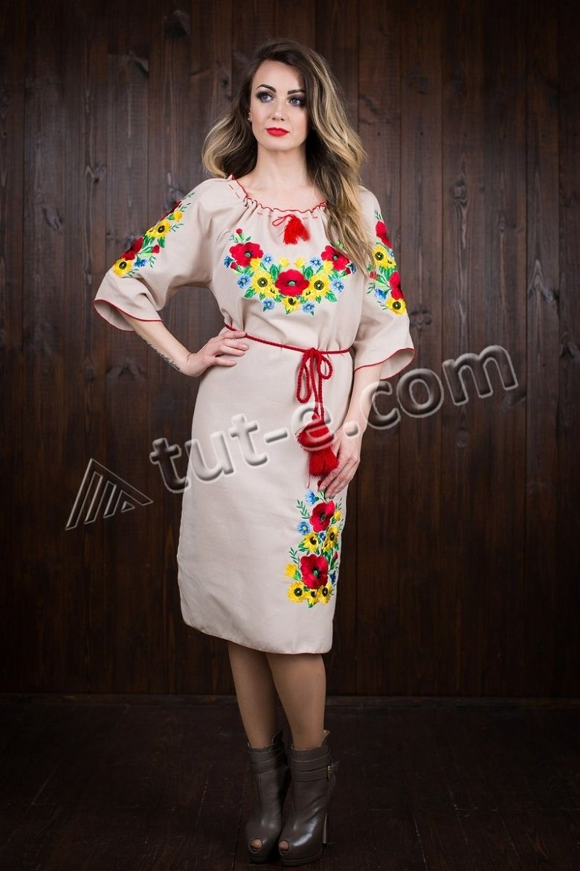 Платье вышитое с маками
