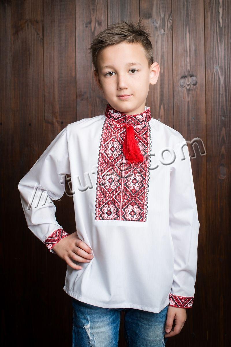 Вышитая рубашка крестиком для мальчика