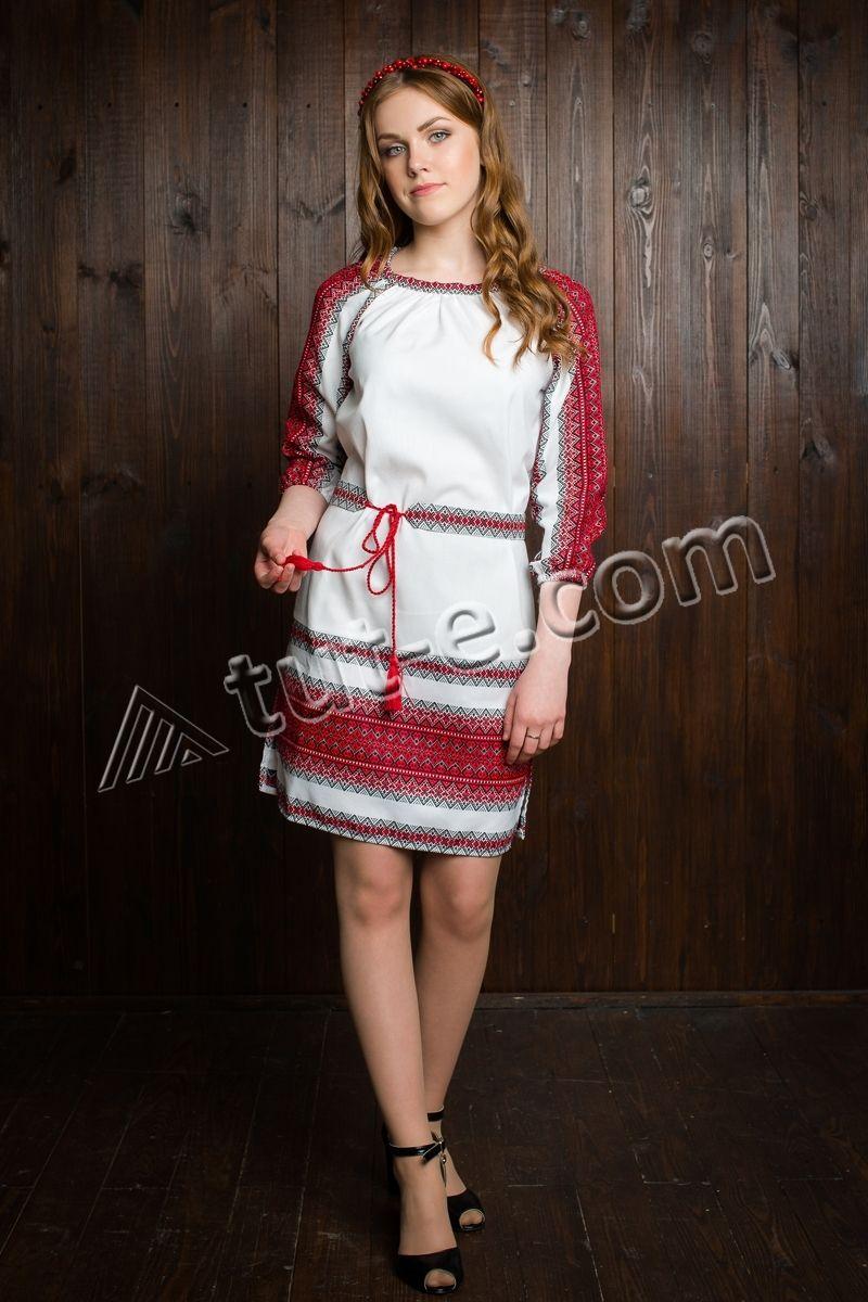 Платье льняное вышитое