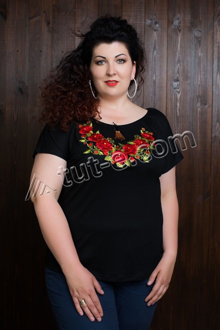 """Женская черная футболка """"роза польская"""""""