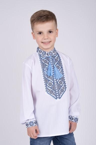 Вышитая рубашка синий орнамент на мальчика
