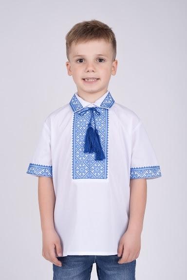 Вышитая рубашка на мальчика с коротким рукавом